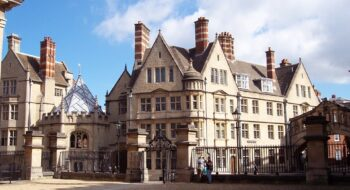 University Of Oxford Course fees for The Students